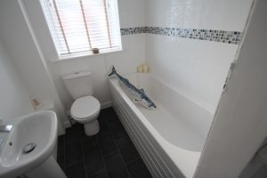 Kent Road House for sale BlueDoor Fish in the bath
